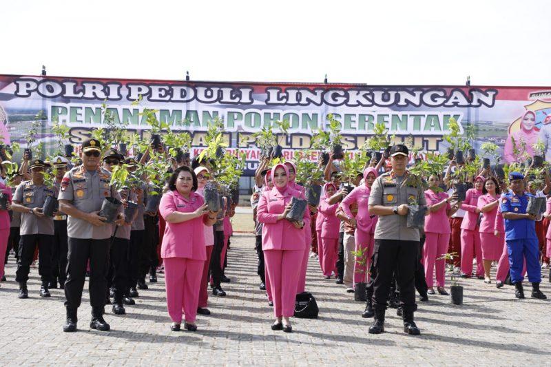 Polda Sumut dan Bhayangkari Tanam 1500 Pohon di SPN Hinai