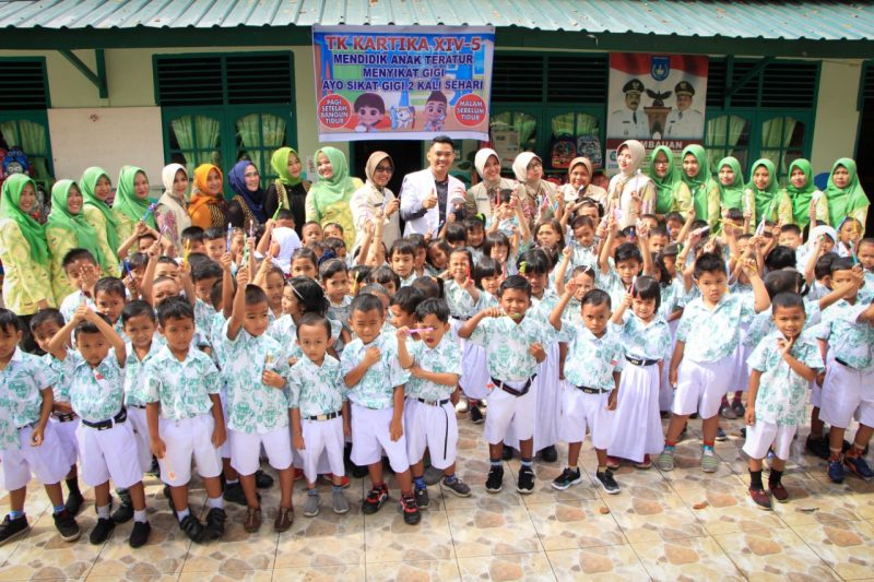 Anak-Anak TK Kartika XIV-5 Langsa Laksanakan Gerakan Sikat Gigi Bersama