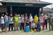 Secara Mandiri Warga Kelurahan Mekarjaya Semprot Disinfektan untuk Cegah Virus Corona
