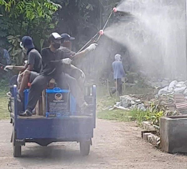 Relawan Conrad Semprot Disinfektan di 450 Rumah