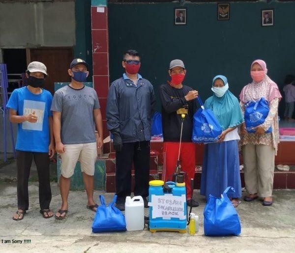 Belum Ada dari Pemerintah, Warga Mekarjaya Sukarela Kumpulkan Bantuan
