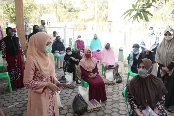 Gugus Tugas Percepatan Penanganan Covid-19 Aceh Salurkan Bantuan Sembako