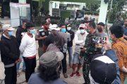 Warga Gelar Aksi Protes karena Objek Wisata Pantai Tanjung Pakis Tetap Beroperasi