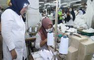 Pabrik Pembuatan Baju APD Hazmat di Pulogadung Diapresiasi Menaker