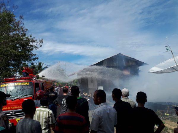 Dua Unit Rumah di Kecamatan Tanah Luas Dilalap Dijago Merah